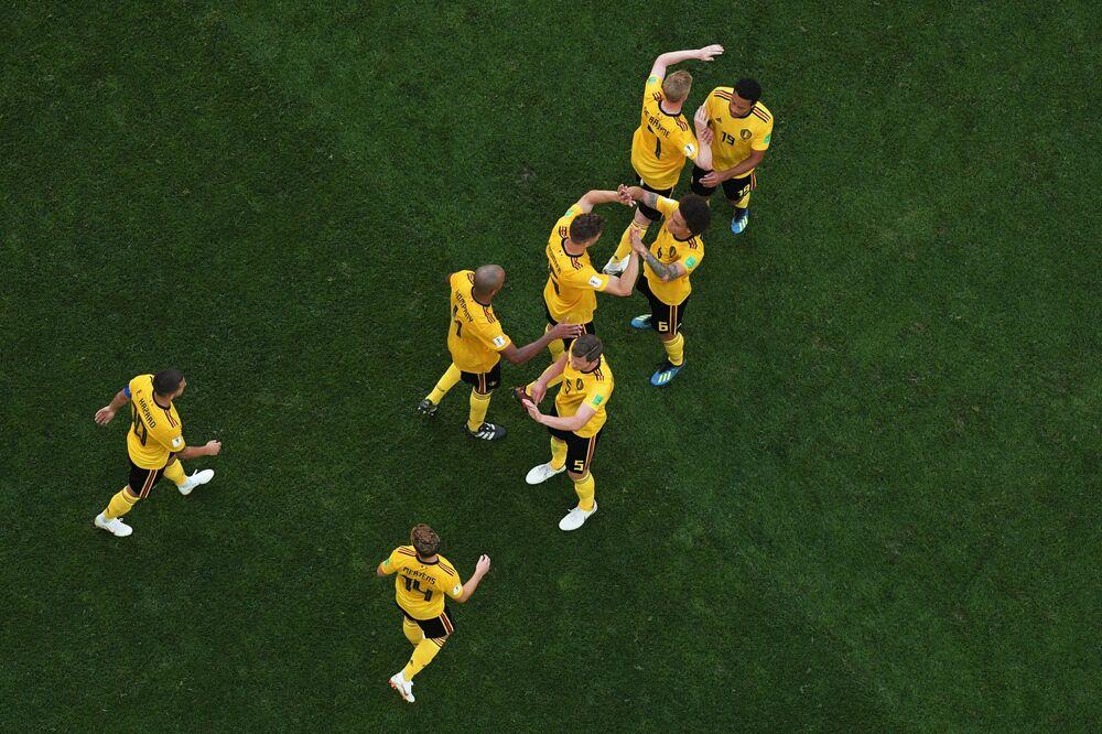 Seleção da Bélgica comemora 2º gol contra a Inglaterra na disputa do 3º lugar na Copa do Mundo de 2018.