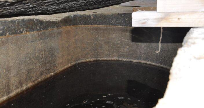 Água no sarcófago negro encontrado em Alexandria