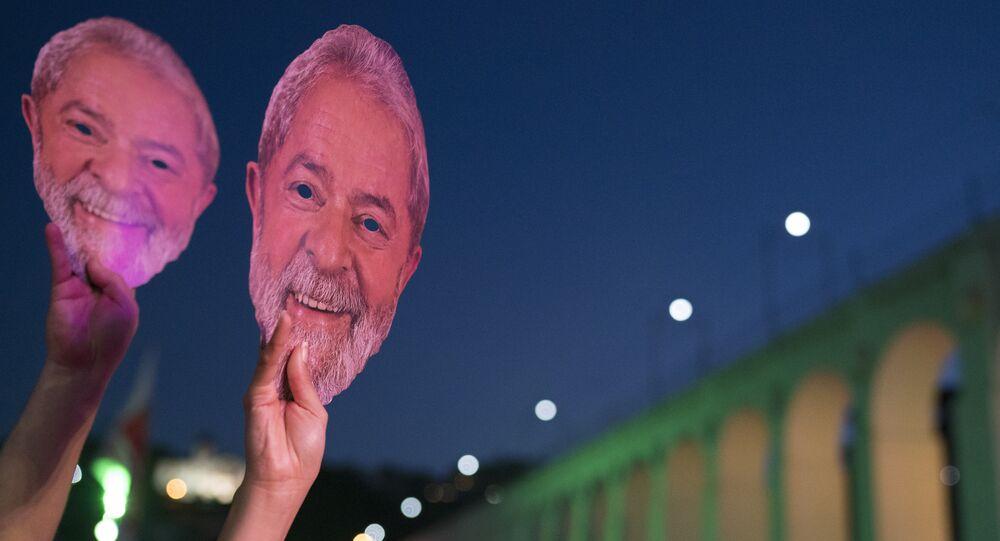 Show pela liberdade de Lula na Lapa, Rio de Janeiro.