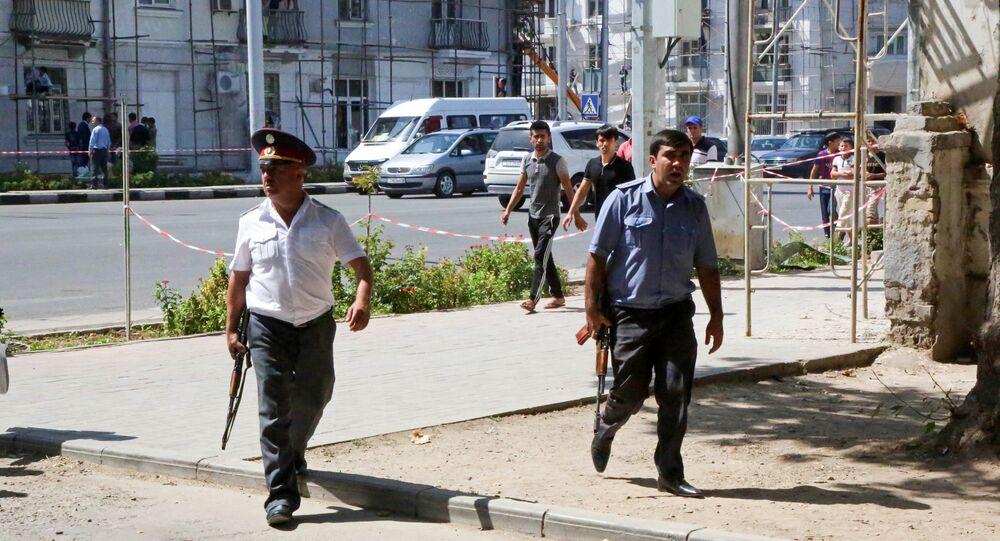 Agentes das forças de segurança do Tajiquistão em Dushanbe, capital do país (arquivo)