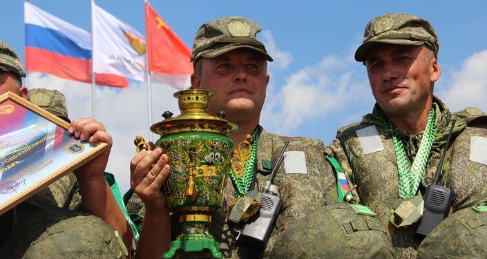 Militares russos são condecorados durante o concurso Otkrytaya Voda 2018, em Murom