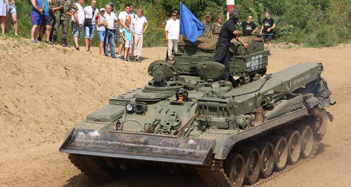 Tanqueiros russos participam do concurso Otkrytaya Voda 2018, em Murom