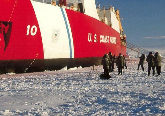 Quebra-gelos estadunidense Polar Star