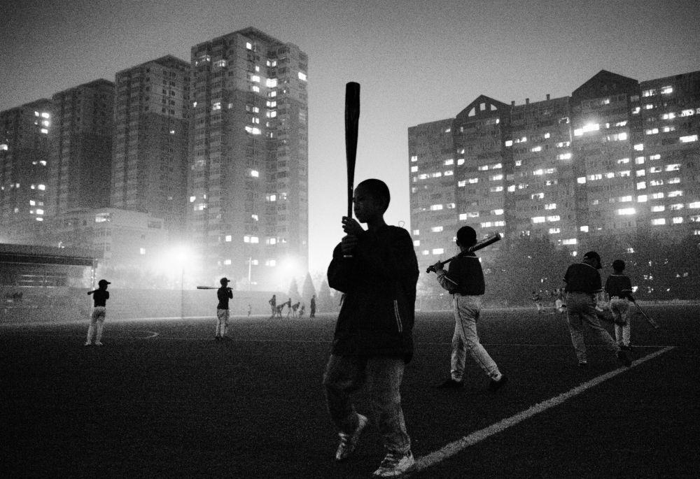Fotógrafo chinês Guanguan Liu Time de Beisebol de Crianças Pobres (Poor kids' baseball team)