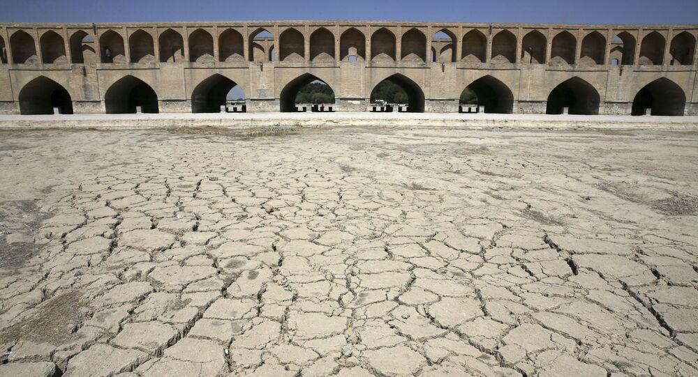 Antes do início da seca extrema, aqui corria o rio Zayandeh Roud, o mais torrencial do Irã Central
