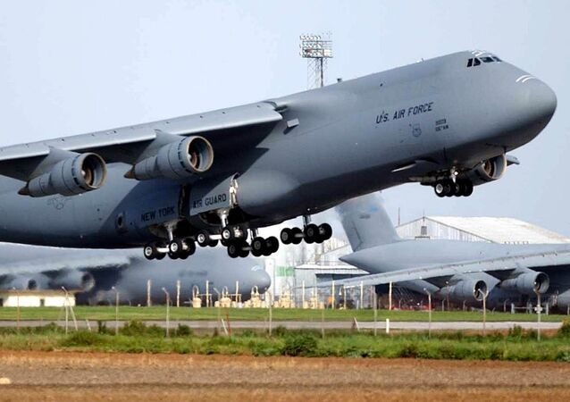 US Air Force C-5 Galaxy takes off from the air base of Moron de la Frontera in Sevilla 06 March 2003.