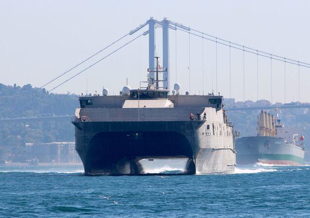 Navio de desembarque USNS Carson City da Marinha dos EUA