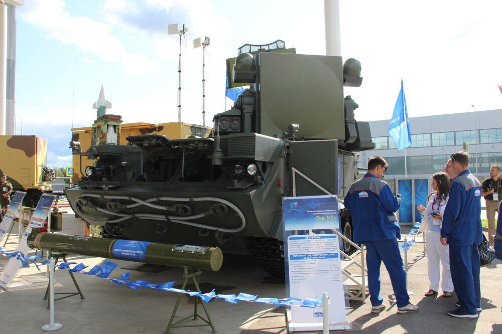 Sistema da defesa antiaérea Tor-M2 é mostrado durante o fórum militar EXÉRCITO 2018
