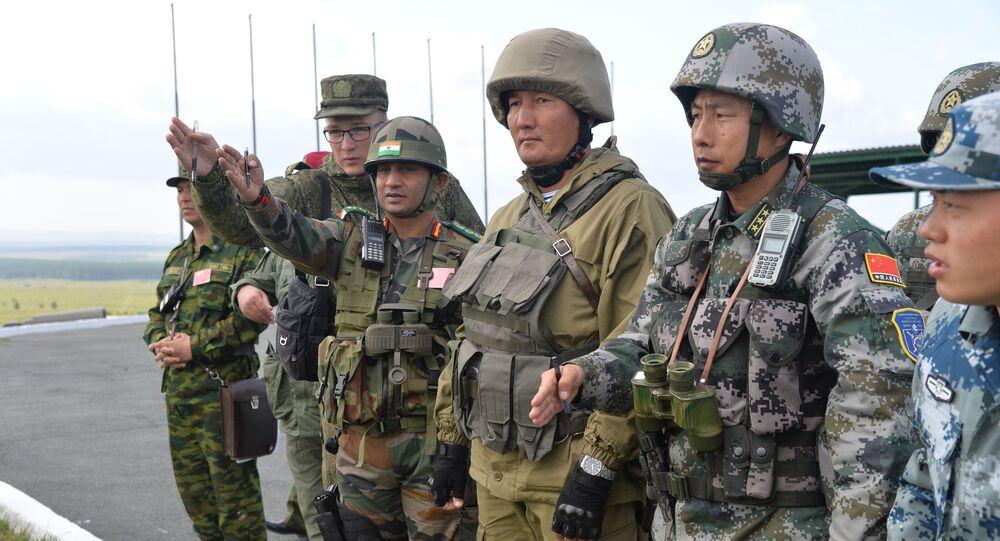Militares da Índia, China e Rússia treinam juntos para serem capazes de prevenir e, se for necessário, repelir ataques de organizações terroristas