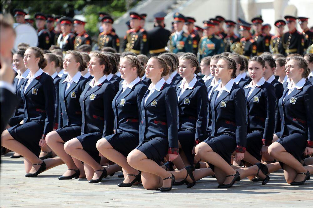 Formatura conjunta das estudantes do Internato de Alunas do Ministério da Defesa da Federação da Rússia
