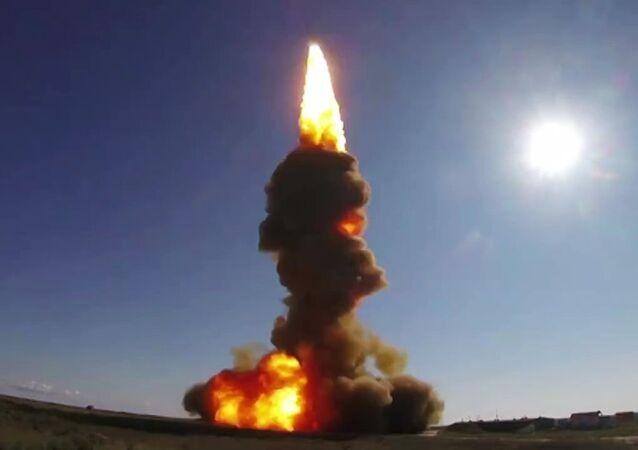 Momento exato do lançamento de míssil interceptador realizado em 30 de agosto pelo Exército russo (foto de arquivo)
