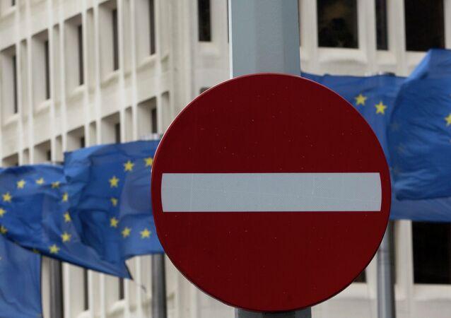 UE cria equipe especial para conter propaganda russa