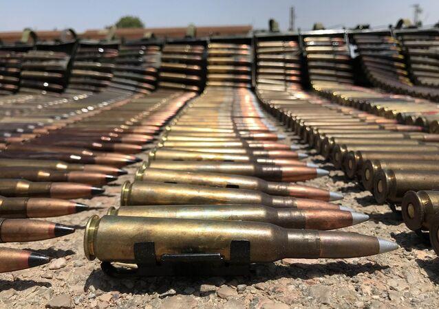 Armamentos abandonados por radicais na província de Daraa