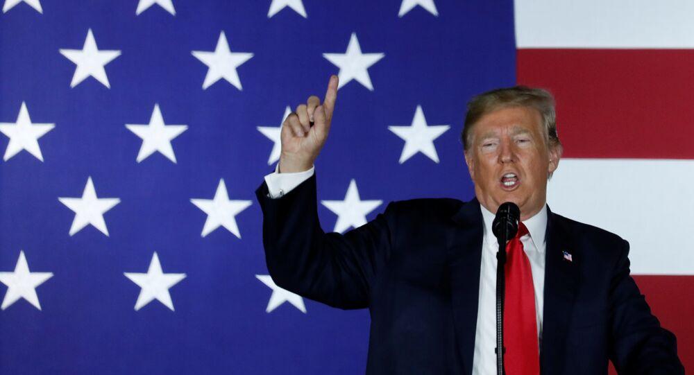 Presidente dos EUA, Donald Trump, fala em evento de arrecadação de fundos do Partido Republicano em Fargo, Dakota do Norte, EUA, em 7 de setembro de 2018
