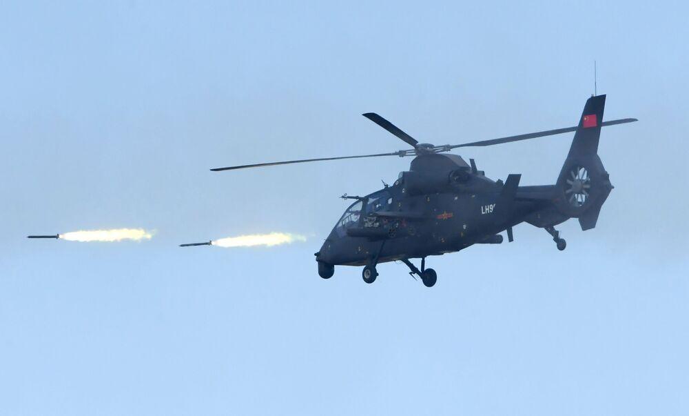 Helicóptero de choque Z-19 do Exército da República Popular da China, no polígono Tsugol