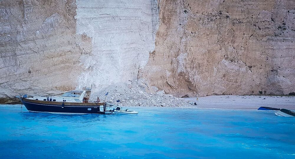 Vista da praia Navagio depois do desabamento de rochas na ilha de Zaquintos, Grécia, 13 de setembro de 2018