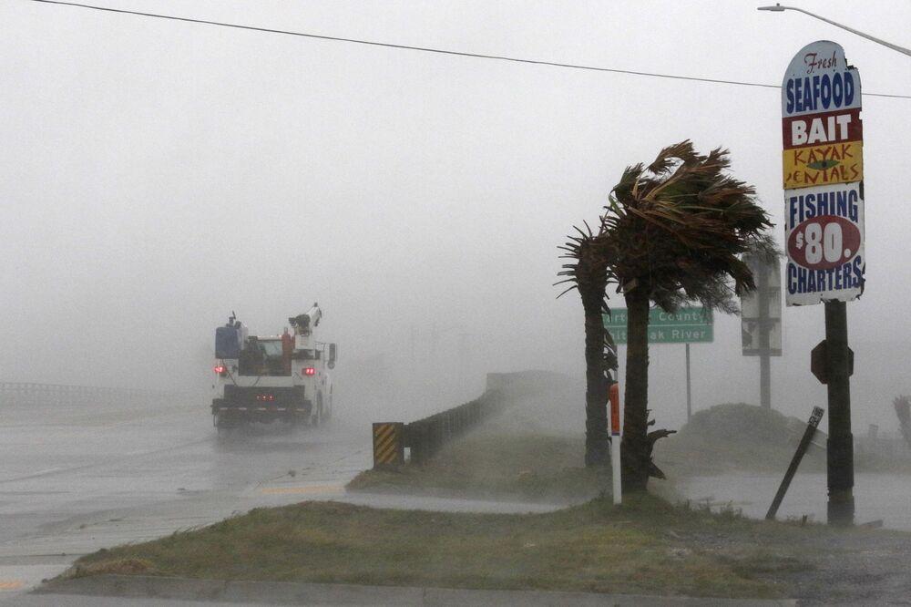 Furacão Florence atingindo a cidade de Swansboro, Carolina do Norte