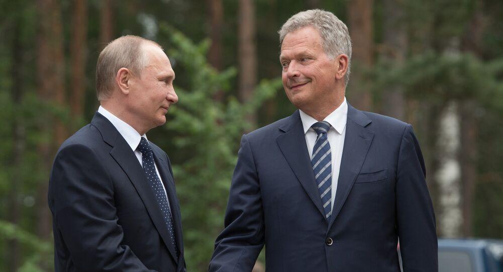Presidente russo Vladimir Putin durante o encontro com o presidente finlandês Sauli Niinisto