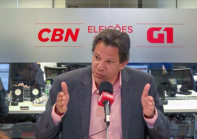 Fernando Haddad, candidato do PT a presidente, durante entrevista na rádio CBN, em São Paulo
