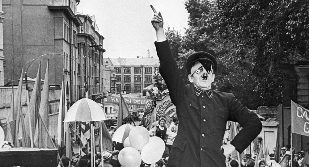 Um ator interpreta Hitler (imagem referencial)
