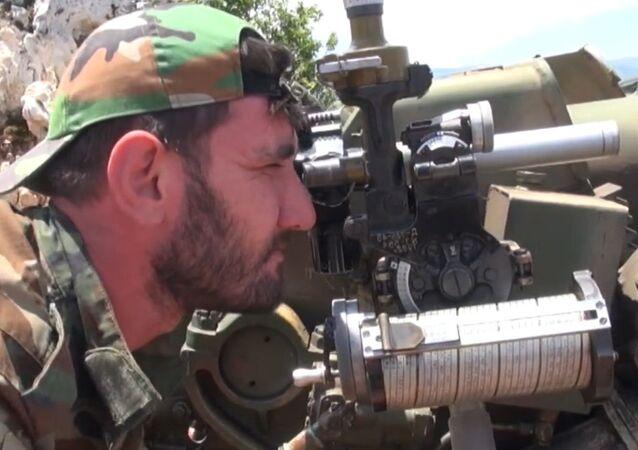 Artilharia síria avança em Latakia