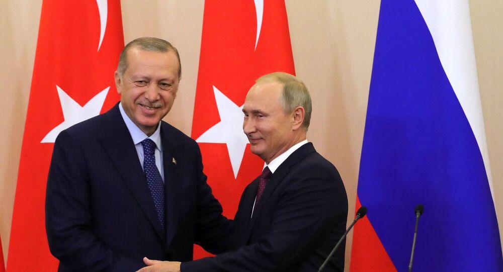 Presidente russo Vladimir Putin durante encontro com seu homólogo turco Recep Tayyip Erdogan em Sochi, 17 de setembro de 2018