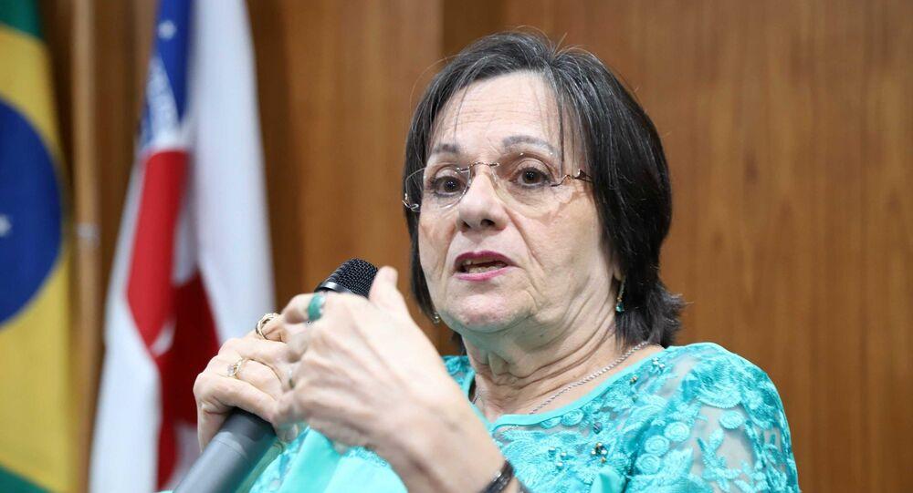 A farmacêutica cearense Maria da Penha Maia Fernandes, uma das principais ativistas na luta pelo fim da violência contra a mulher no país, após ter sido vítima de duas tentativas de homicídio em 1983 por parte do próprio marido, que a deixaram paraplégica.