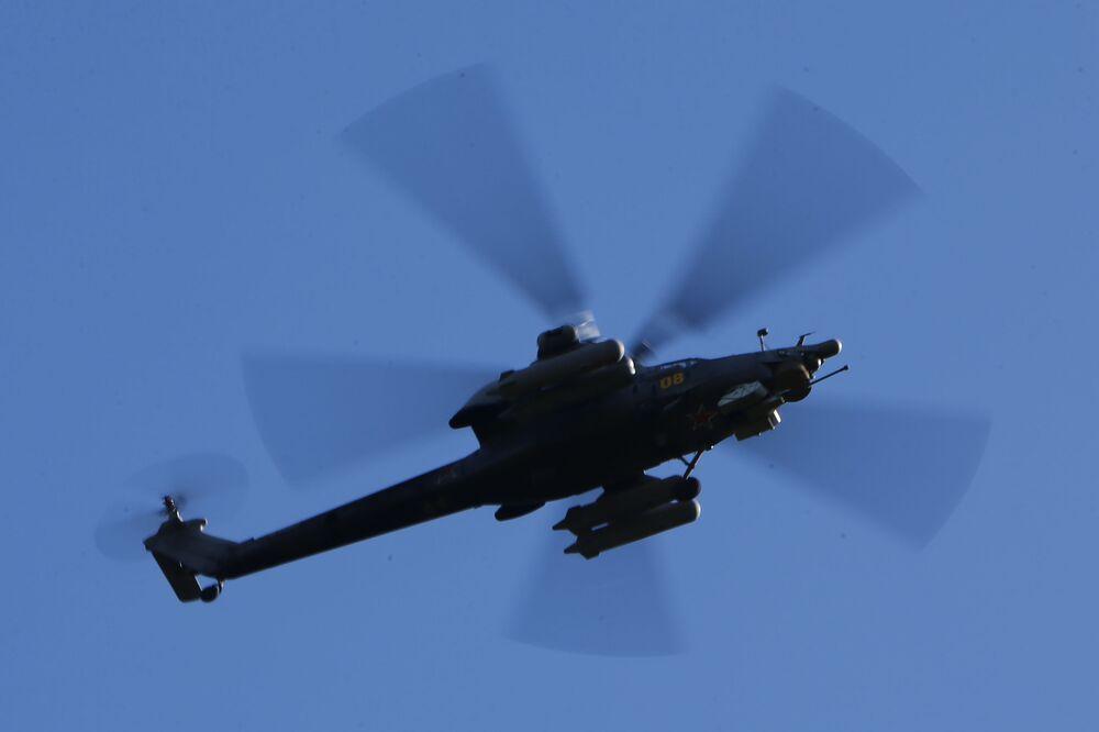 Helicóptero Ka-52 Alligator é visto efetuando tarefas táticas no decurso dos exercícios das Tropas Aerotransportadas russas