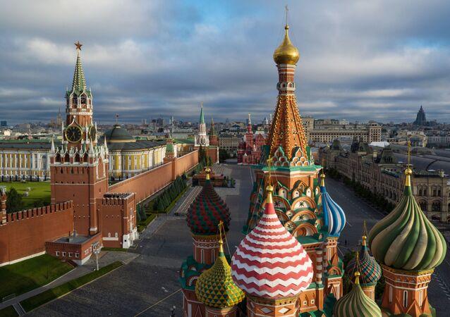 A catedral de São Basílio na Praça Vermelha em Moscou