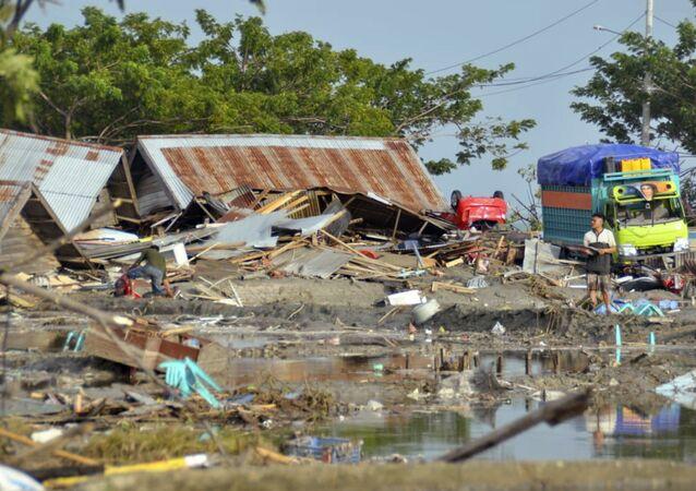 Consequências do tsunami na cidade indonésia de Palu, província de Sulawesi, 29 de setembro de 2018