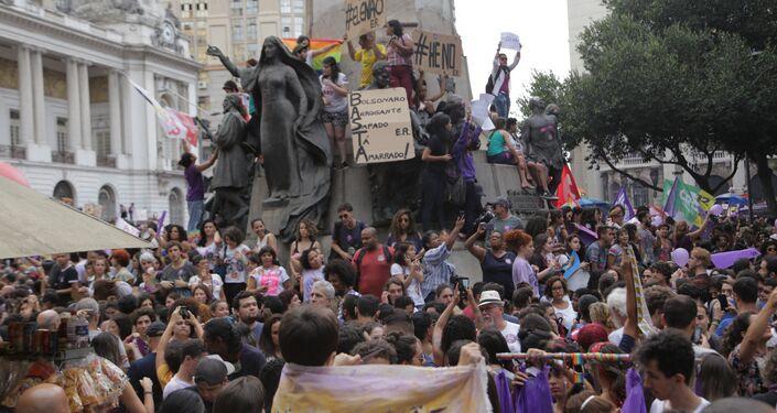 Ato contra Jair Bolsonaro no Rio de Janeiro.