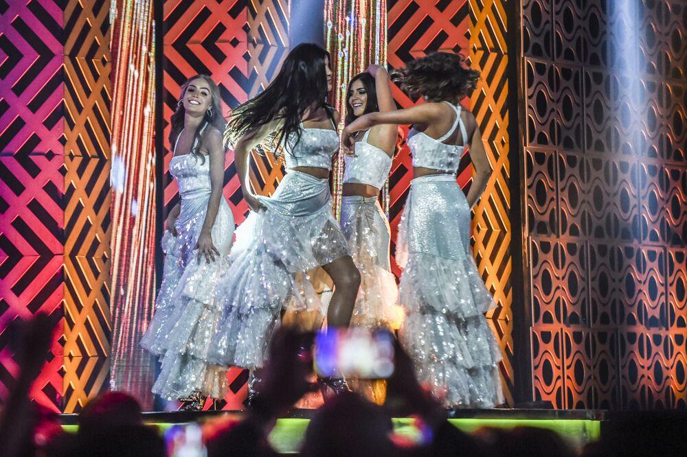 Concorrentes apresentando-se durante concurso de beleza Miss Colômbia 2018, realizado na cidade colombiana de Medellín em 30 de setembro de 2018