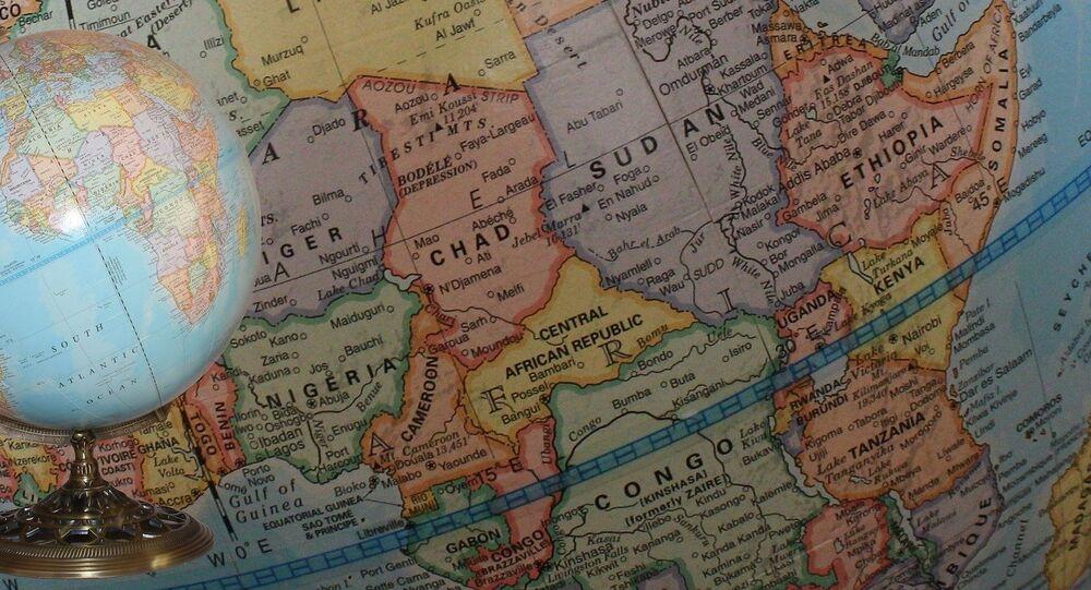 Globo e mapa da África (imagem de arquivo)