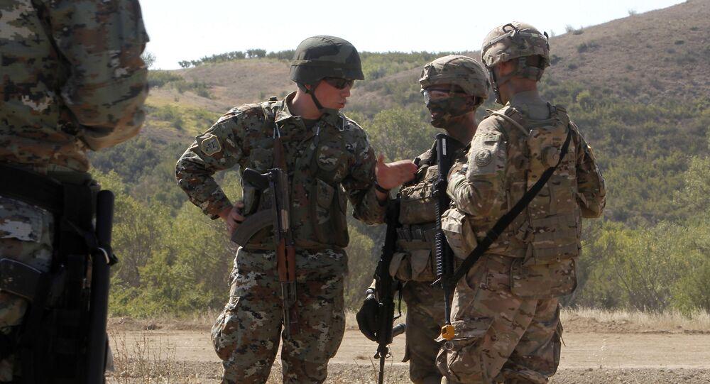 Militares macedônios e norte-americanos durante treinamentos conjuntos na Macedônia (foto de arquivo)