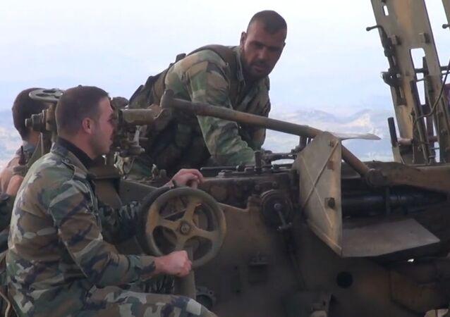 Exército sírio combate terroristas em Latakia