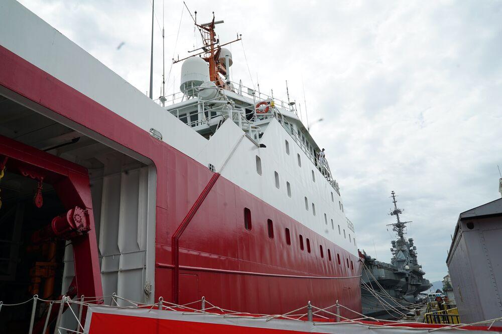 Navio polar Almirante Maximiano no Arsenal de Marinha do Rio de Janeiro em 8 de outubro de 2018