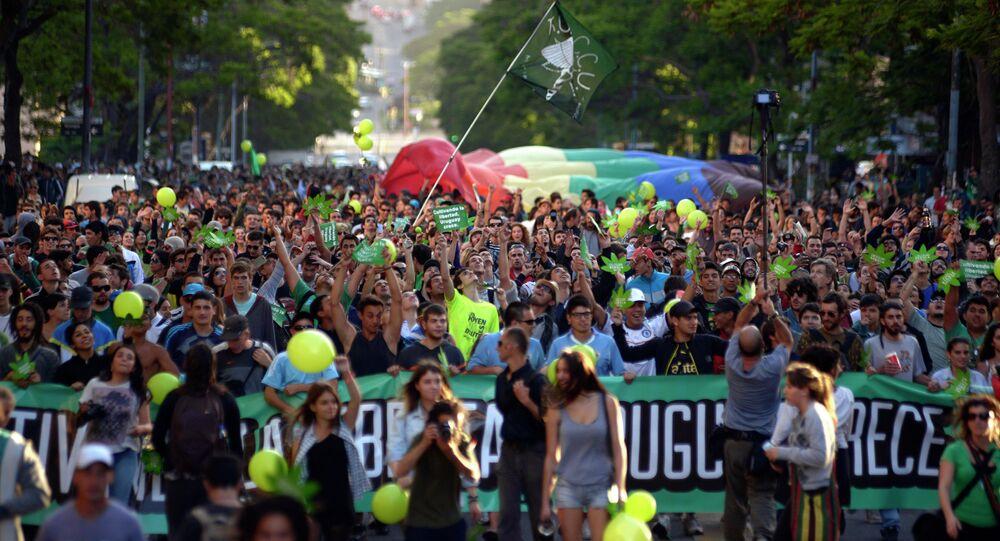 Ato em apoio a legalização da cannabis em Montevideu