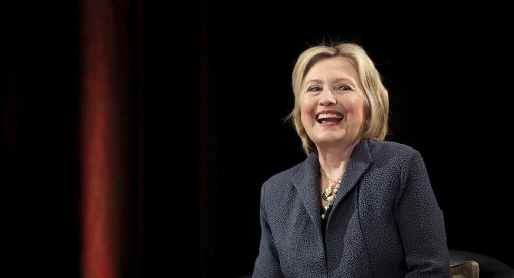 Hillary Clinton dá uma palestra no Edmund Burke Lecture Theatre, Trinity College, em Dublin.