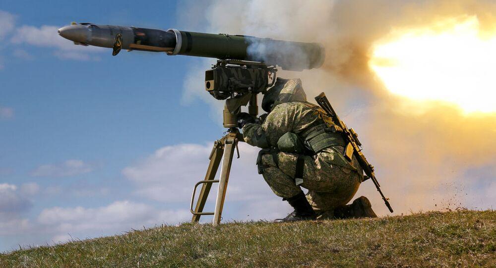 Sistema portátil de mísseis antitanque russo Kornet-E (foto de arquivo)