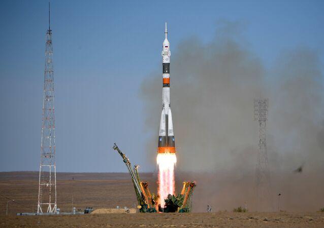 Lançamento do Soyuz-FG do cosmódromo de Baikonur, Cazaquistão, em 11 de outubro de 2018