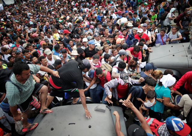 Migrantes hondureños en Tecún Umán
