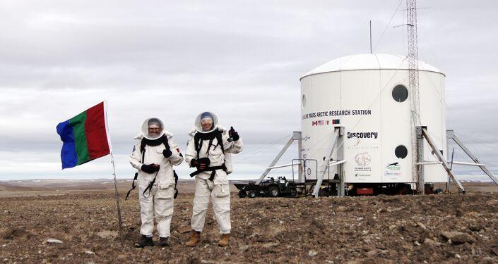 Anastasiya Stepanova durante testes na Estação de Pesquisa Do Deserto Marciano