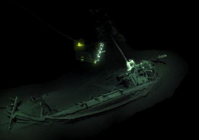 Navio, descoberto no fundo do mar Negro mais de 2.400 anos depois de naufrágio