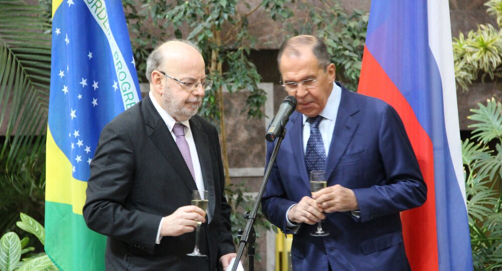 Embaixador brasileiro em Moscou, Antonio Luis Espinola Salgado, e chanceler russo, Sergei Lavrov, participam da abertura da exposição dedicada ao 190° aniversário das relações bilaterais russo-brasileiras, no Ministério das Relações Exteriores da Rússia, em 26 de outubro de 2018