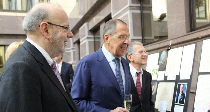 Embaixador brasileiro em Moscou, Antonio Luis Espinola Salgado, e chanceler russo, Sergei Lavrov, visitam a exposição dedicada ao 190° aniversário das relações bilaterais russo-brasileiras, no Ministério das Relações Exteriores da Rússia, em 26 de outubro de 2018