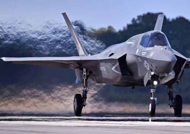 O F-35B, caça norte-americano de sexta geração