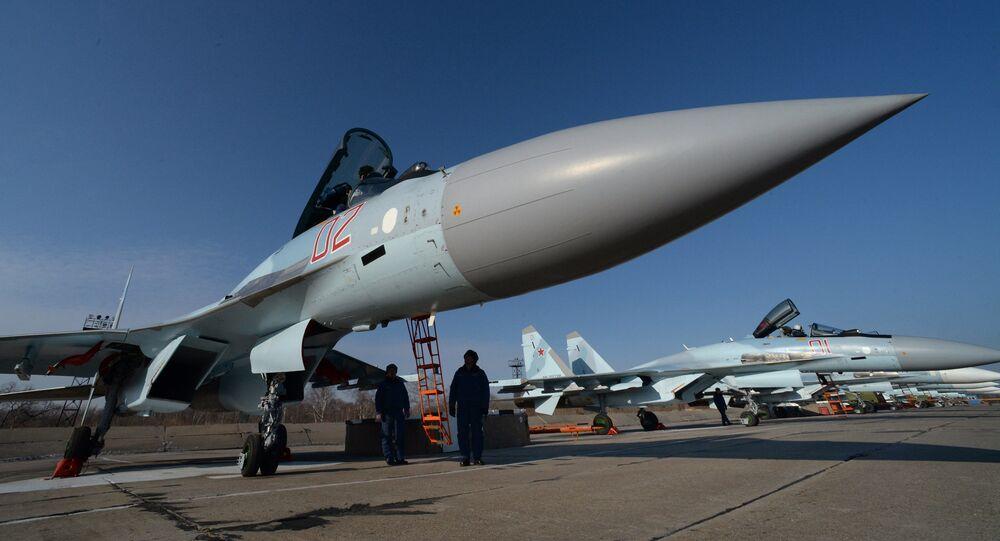 Caça russo Su-35 (imagem de arquivo)