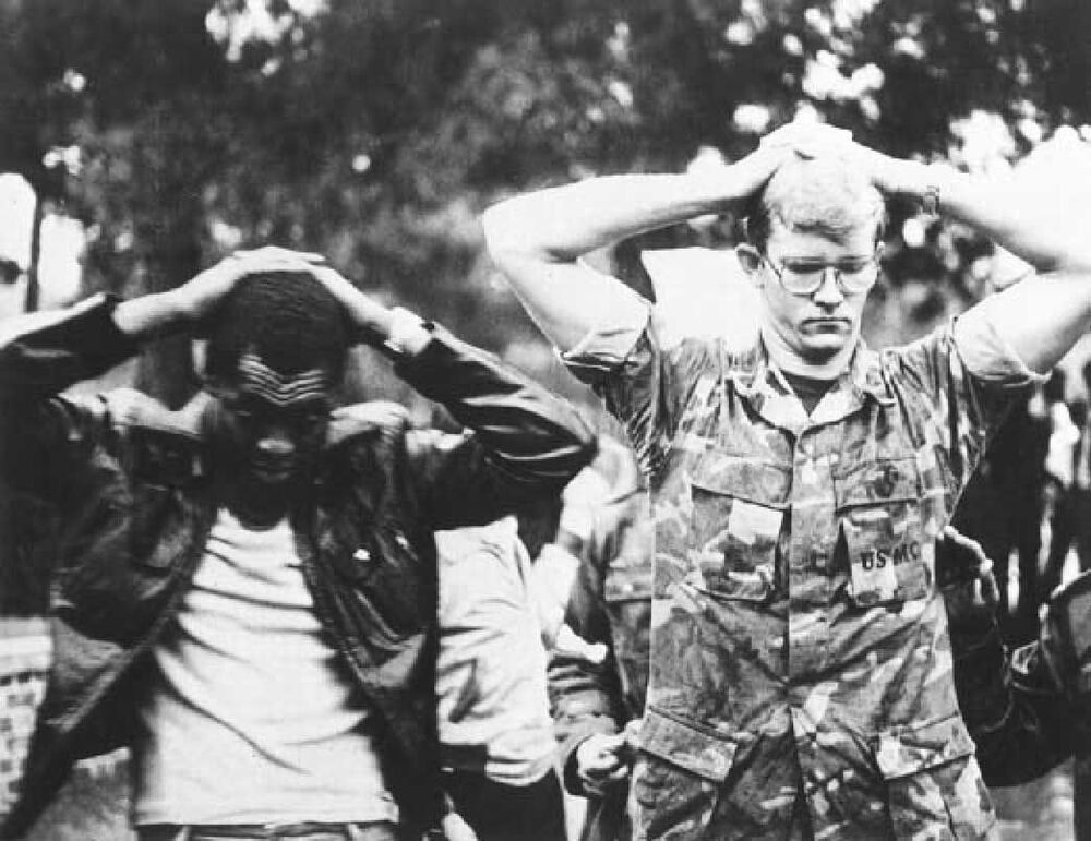 Reféns no dia do ataque contra a embaixada estadunidense em Teerã, em 4 de novembro de 1979