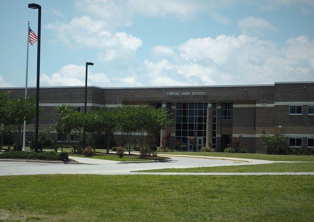 Escola Secundária Topsail localizada no estado da Carolina do Norte, EUA (foto de arquivo)