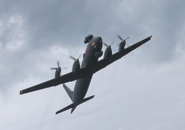Avião Il-38